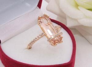 Кольцо с цветным фианитом R-0413 стоимость