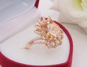 Кольцо с фианитами R-0415 медицинское золото
