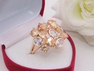 Кольцо позолоченное с фианитами R-0416 медицинское золото