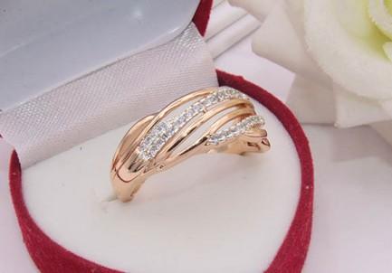 Кольцо с фианитами R-0439 цена